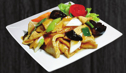 115. Tofu s bambusem a houbami - 159 Kč