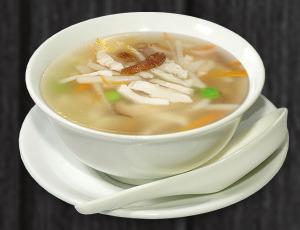 4. polévka tří chutí - 58 Kč