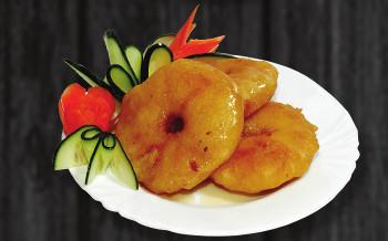 D3. Smažený ananas s medem - 55 Kč
